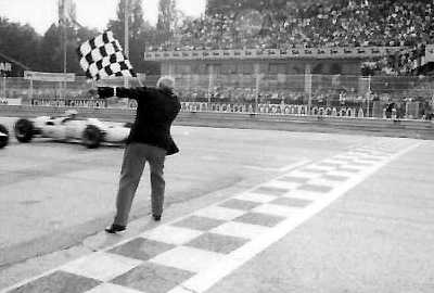 Pete Aron taks the chequered flag at Monza