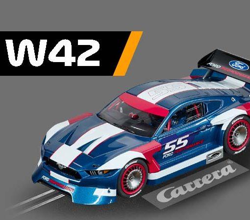 W42, Carrera Mustang